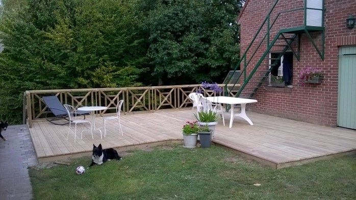 Terrasse en lames biseautées