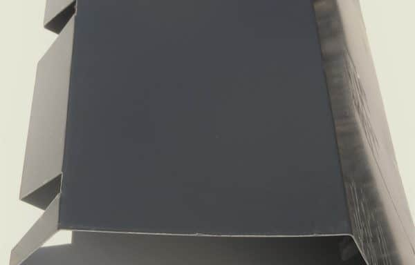 Faîtière double pente crantée 7016 gris